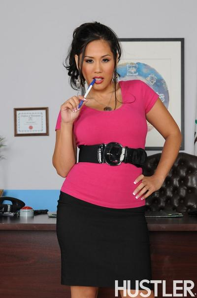 Major titted Japanese business woman Jessica Bangkok in pink blouse gains stripped in the office
