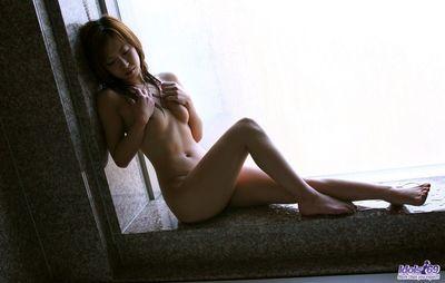 الشرقية مصاصة حبيبي yuzuha الأصنام هو تعريتها و الحصول على لها لذيذ جذابة الجسم أظهرت قبالة في على حوض الاستحمام