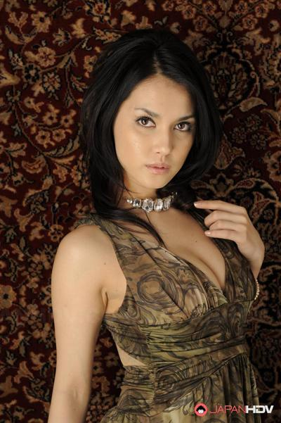 Wild hottie Maria Ozawa standing in sticky suit and shows the indefatigable scones downblouse