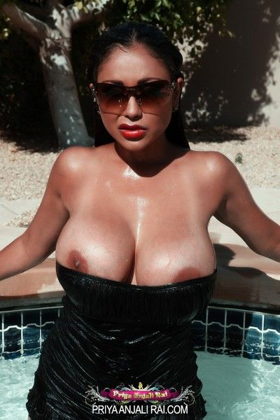 Level with is as a result hot up Arizona and Priya Rai express regrets level with even hotter as she splashes around..