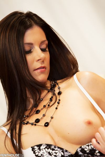 Milf India Summer�??s mouth and pussy slit are willingly taking the stiff member medial