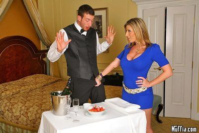 Big dicked waiter prefers Priya Rai about Sara Jay �lite the greatest duo big titted ladies