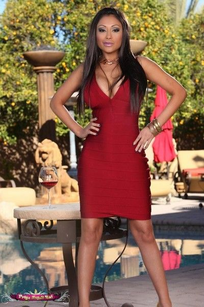 Priya rai strips off her chap-fallen red-hot dress