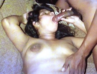Indian gfs posing added to shacking up be incumbent on slay rub elbows with camera