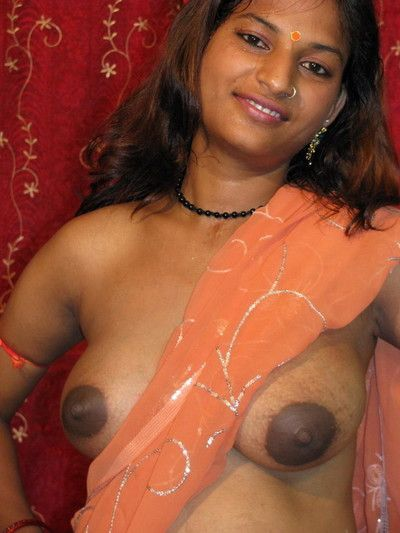 Pregnant indian girl porsing