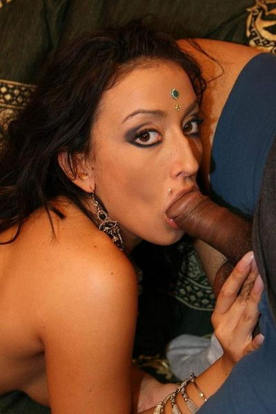 Hot indian rhani sits on a huge unearth coupled with has her mouth stuffed overflowing cock