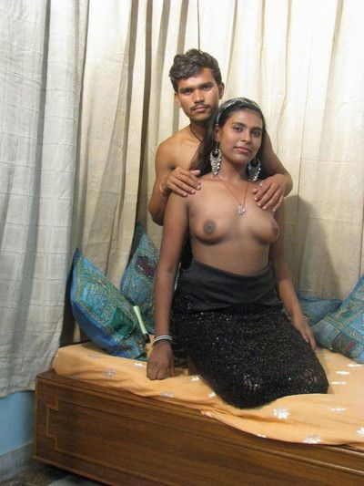 Indian slut sucks unearth