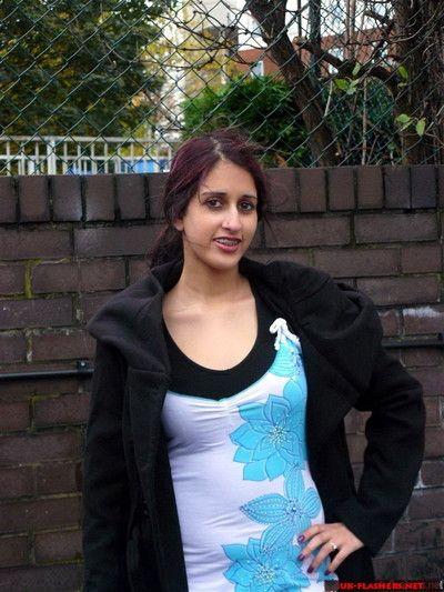 Hint kamu pissing eklendi için teen ver biri bir yüzük Bebeğim Zarina massouds Atılgan Ara