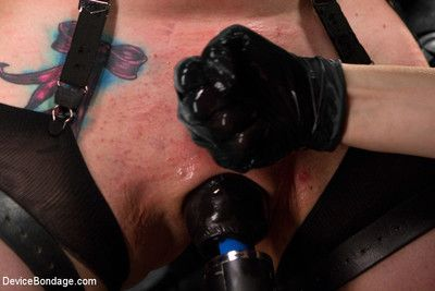 American sioux indian siouxsie q gets mercilessly tormented!