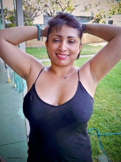 Authoritative indian gfs are posing and undress porch 39
