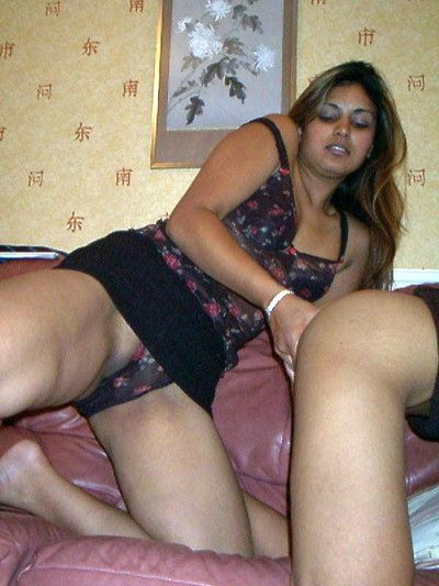 Indian gfs posing coupled with fucking of someone\