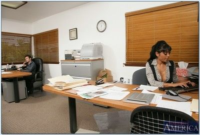 Ravishing hindu milf priya anjali rai takes huge locate in office