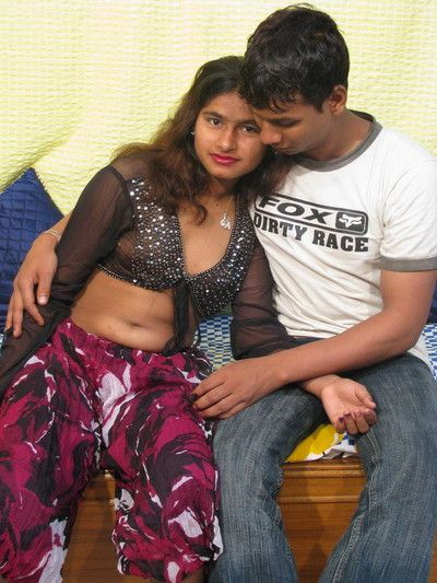 Indian amateur shacking up