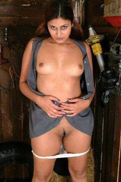 Indian gfs are posing and bonking galilee 17