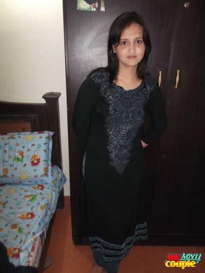Hot Indian model take tight jeans posing seductively take crestfallen weave bra