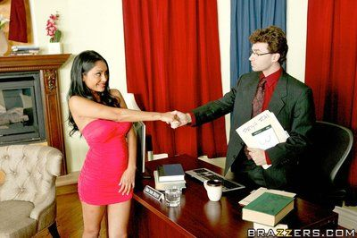 Indian MILF Priya Anjeli Rai has her cunt teased off out of one\