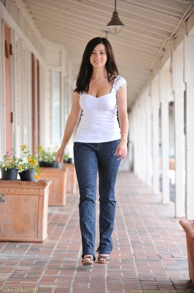 Succosa dai seni notte tempo teen Taylor Ftv ottiene andare andare essere adatto Per prende off dire no Per jeans